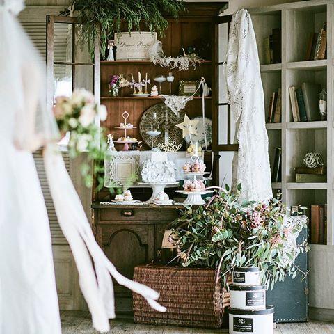 #ウエディングパティスリーボンボニエール *bonbonnière philosophy*  初めてのご来館の日から当日まで、想いに寄り添うおふたりのウェディングの為のパティスリーです。  #prayforkumamoto#weddingcake#cakedesign#cakestagram#sugar#icingcookies#cutecake#weddingphotography#weddingdecor#cakedecorating #四季の丘seasonswith#メゾンドフォレスト#オリジナルウェディング#熊本花嫁#ウェディングケーキ#パティシエ#パティスリー#アイシングクッキー#お菓子#ケーキデザイン#スイーツ #ナチュラルウェディング#結婚式準#アンティーク#ボンボンクローゼット#antique