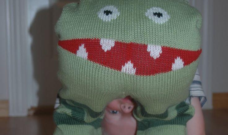 Monsterbukser går som en farsott over strikkekurvene våre for tiden, og jeg har sett mange spørsmål og mye frustrasjon over manglende oppsk...