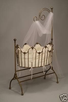 I love this Baby Bassinet