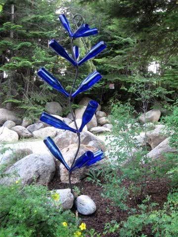 Upcycle blue bottles for the garden.: Gardens Ideas, Diy Bottle, Wine Bottle Art, Birds Houses, Yard Art, Cobalt Blue, Wine Bottle Trees, Wine Bottles, Blue Bottle