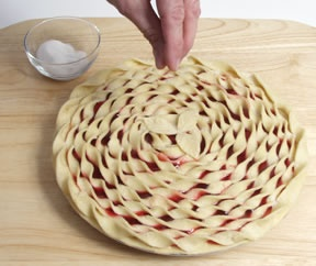 3 different ways to decorate a pie - this looks SO cool!