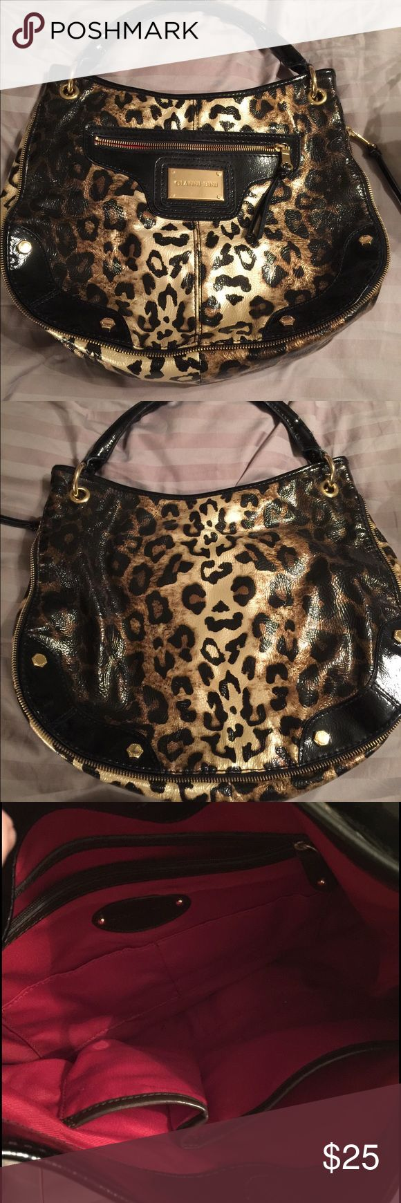 Gianni Bini Leopard Print Hobo Bag Large Gianni Bini Leopard Print hobo bag. No obvious signs of wear. Excellent condition. Gianni Bini Bags Hobos
