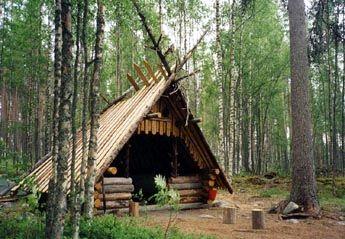Lean-to shelter at Pyydyskoski. Photo: Reijo Kuosmanen