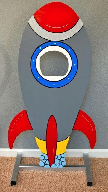 Rocket Photo-Op.jpg 361×640 pixels