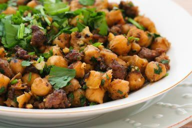 {Spicy Sauteed Chickpeas with Beef and Cilantro}Beef Chickpeas, Chickpeas Garbanzo, Spicy Saute, Ground Beef, Saute Chickpeas, Spicy Beef, Food Blog, Garbanzo Beans Recipe, Food Recipe