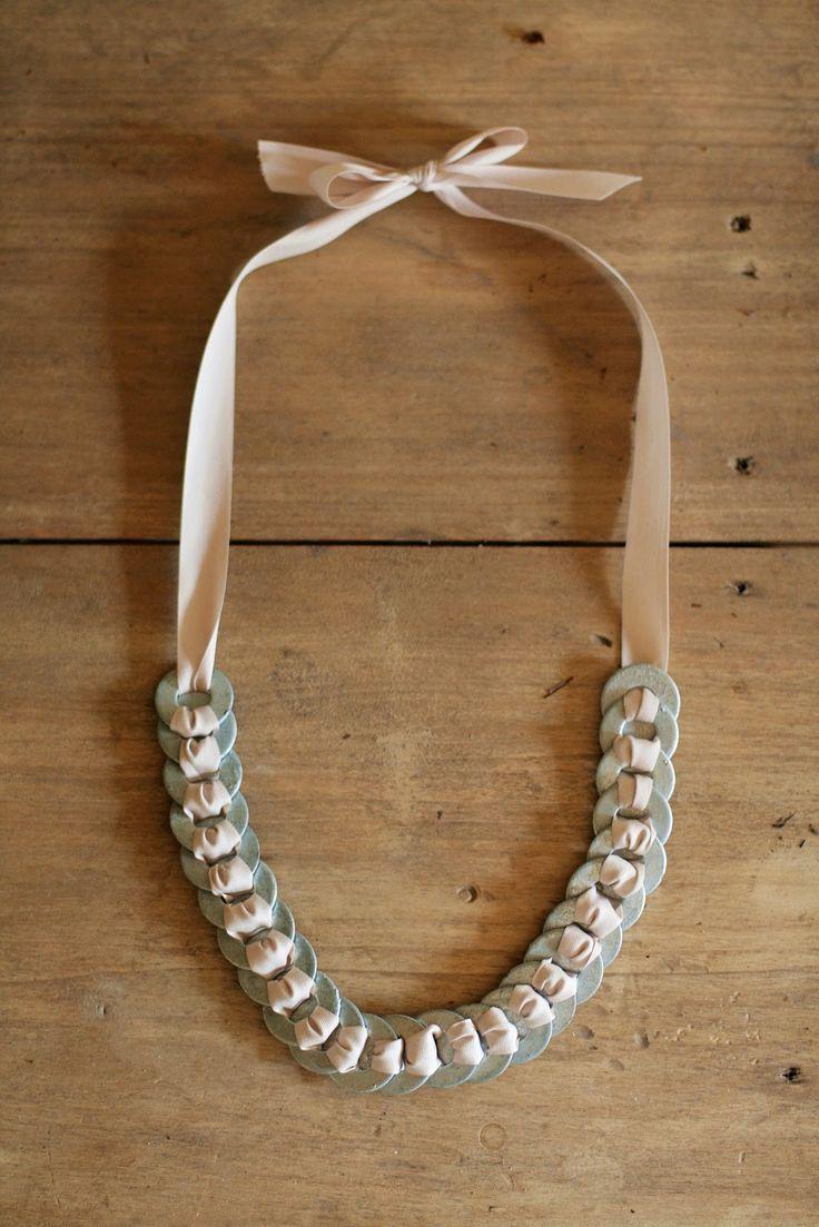 DIY: washer & ribbon necklace-- gunna hafta get crafty!