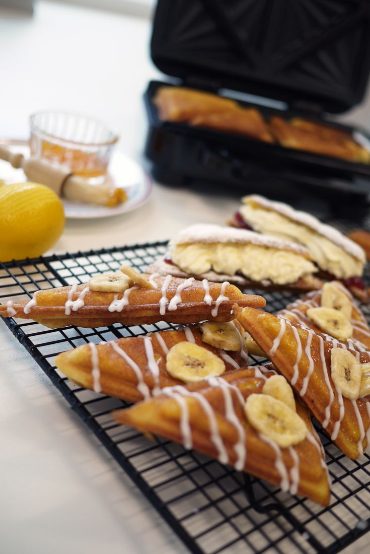 Breville® Sandwich Toasted Banana Cakes http://www.turnonyourcreativity.com/recipes/breville-sandwich-toasted-banana-cakes