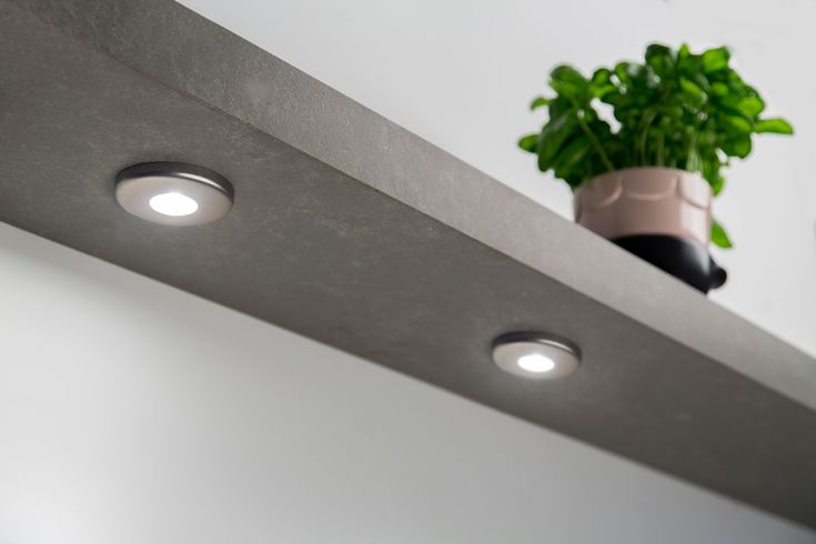 Dimbare ledverlichting voor de keuken van www.dekkerzevenhuizen.nl