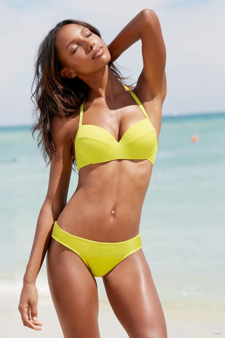 jasmine-tookes-beach-shoot-next05