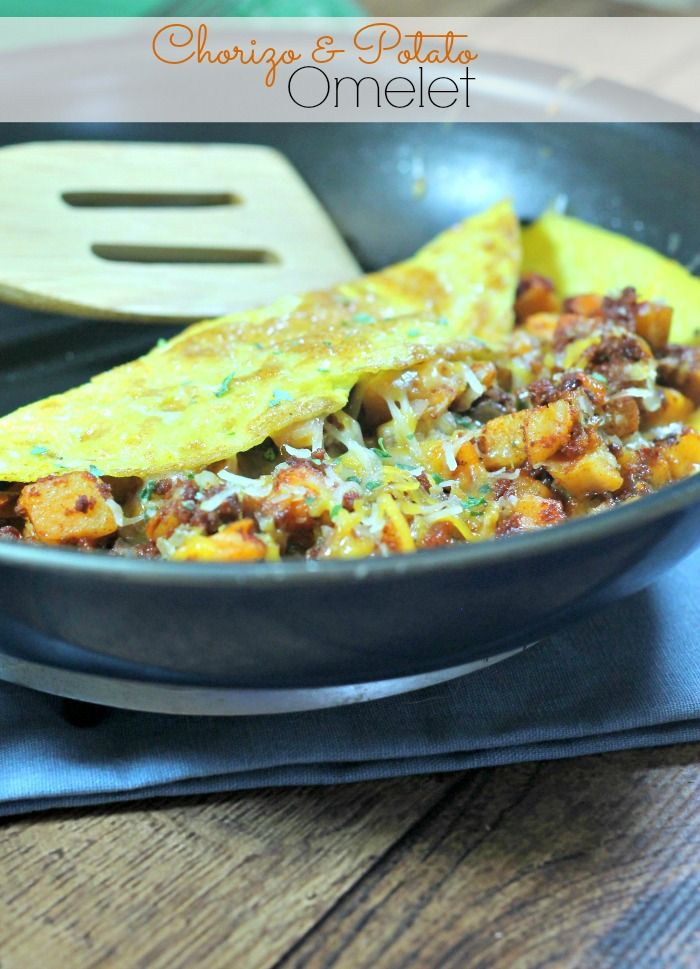 Easy Omelet with Chorizo and Potatoes - http://penneylanekitchen.com/easy-omelet-chorizo-potatoes/