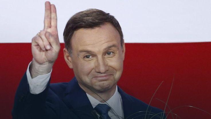 """""""Rzeczpospolita"""": PO chce zdążyć przed Dudą #wybory2015 #Polska"""