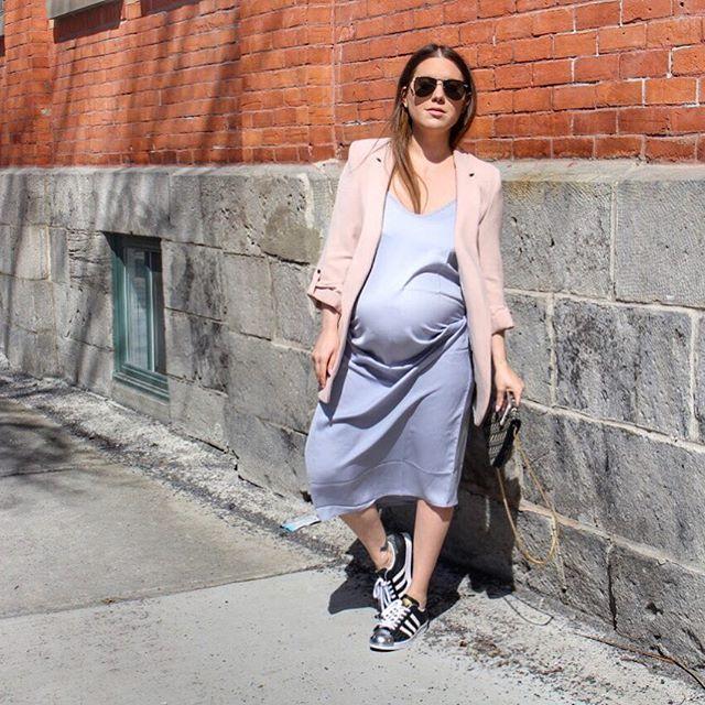 Photo by @melissasoldera -  . . . #melsfashionedit #youtuber #fashionvlogger #melsoldera #ootd #34weeks #primaryessentials #montreallife #dressthebump #melsfashionedit #melsolderapreggostyle #vintagedior #dior