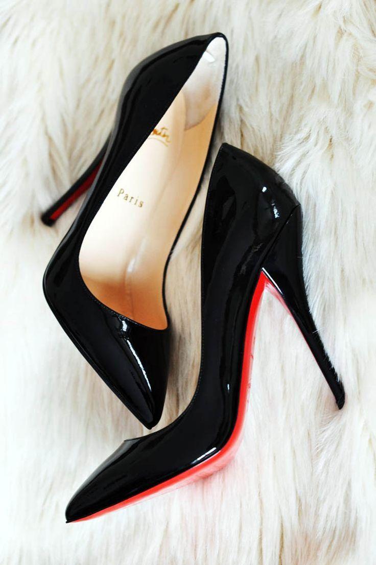 El zapato femenino. ¿Con tacón o sin tacón? Autor: Christian Louboutin