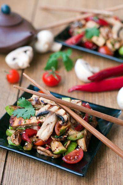 Тёплый салат с тофу в китайском стиле