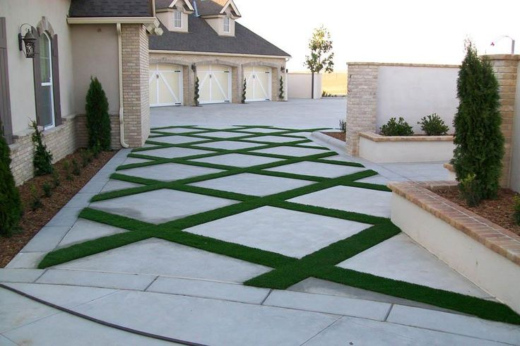 Not Your Everyday Driveway Synlawn In 2019 Grass