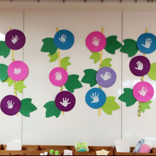 パッと咲いたあさがおから、子どもたちの成長伝わる壁面(0歳児)