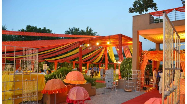 Find us as Best Flower Decorator for Mata Ki Chowki in South Delhi