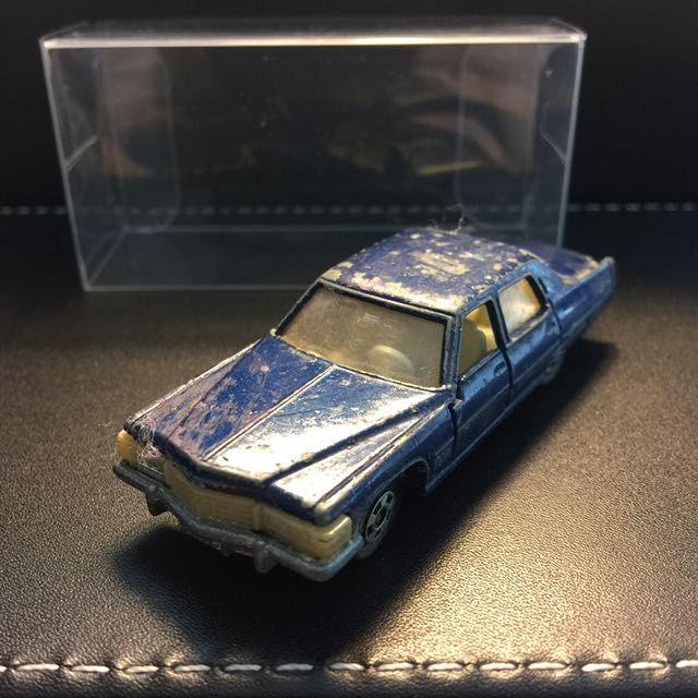 Tomica Cadillac Fleetwood Brougham