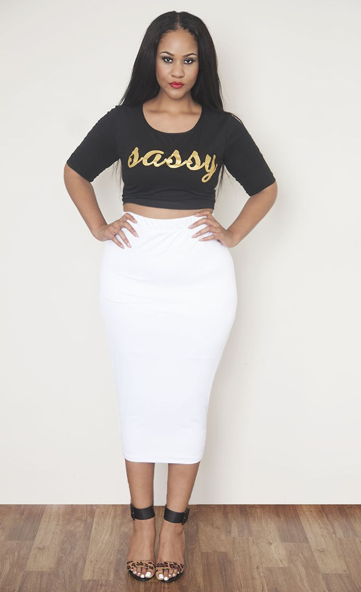 white body-conscious midi skirt - plus size fashion | curvy fall