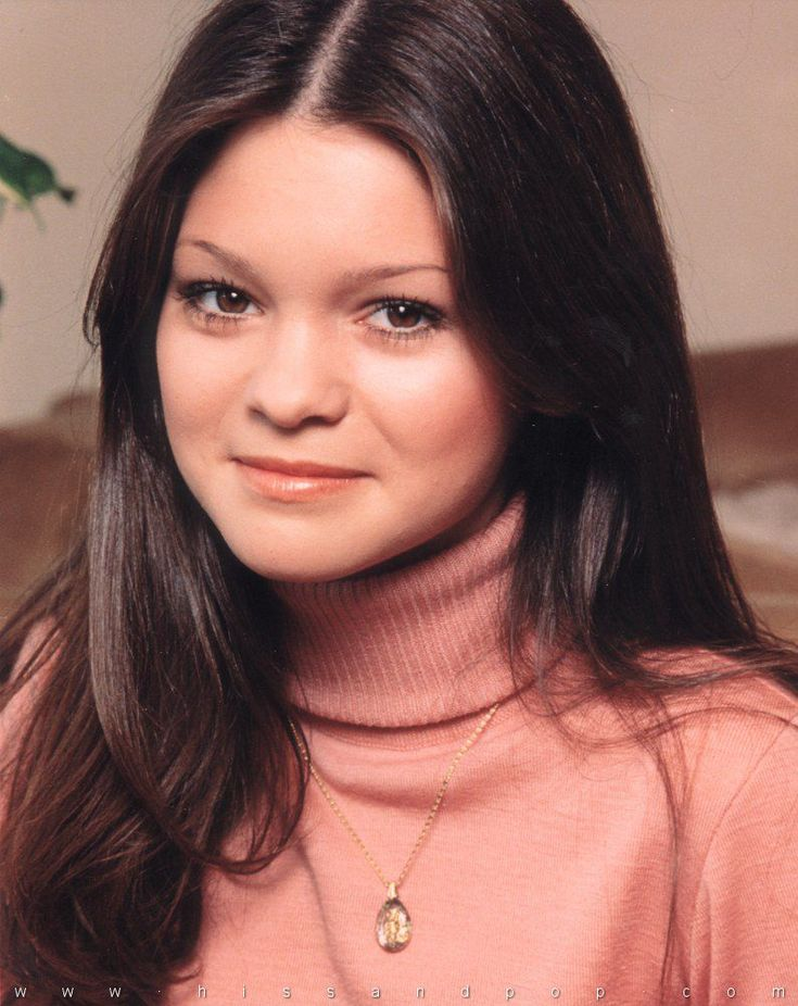 In the years since One Day at a Time, Valerie Bertinelli has starred in two short-lived TV series, Sydney (1990) and Caf� Americain (1993). Description from celebirony.com. I searched for this on bing.com/images