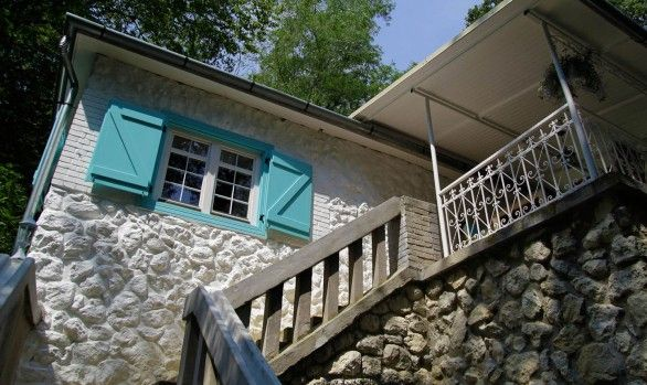Noszvaj 981 is located in the village of Noszvaj, north Hungary, barely 1 hour ride away from Budapest and few minutes from the historic town of Eger.