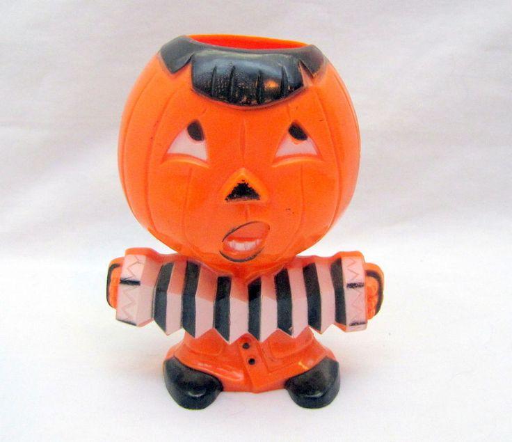 """ ACCORDIAN PLAYER JACK-O'-LANTERN "" 1950 Hard Plasric Vintage Halloween Candy"