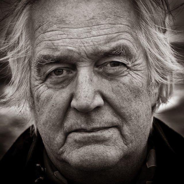 El escritor sueco Henning Mankell, maestro de la novela negra nórdica y uno de los narradores más leídos y celebrados de Europa, ha fallecido este lunes 5 de octubre en Goteborg a la edad de 67 año...