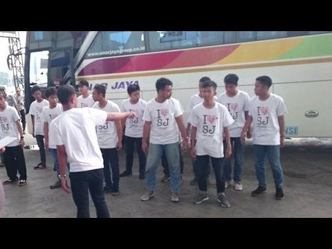 Klakson Telolet Bus Sinar Jaya membuat goyang terminal Pulogebang