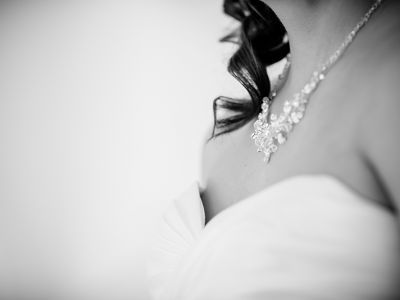 """Etwas """"Altes"""" für die Hochzeit: Warum Erbstücke die besten Brautaccessoires sind"""