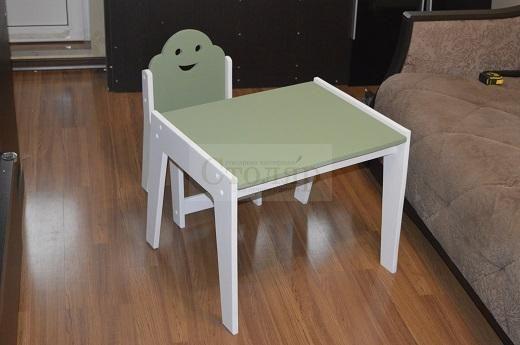 Стульчик и столик из Фанеры покрытие водные эмали