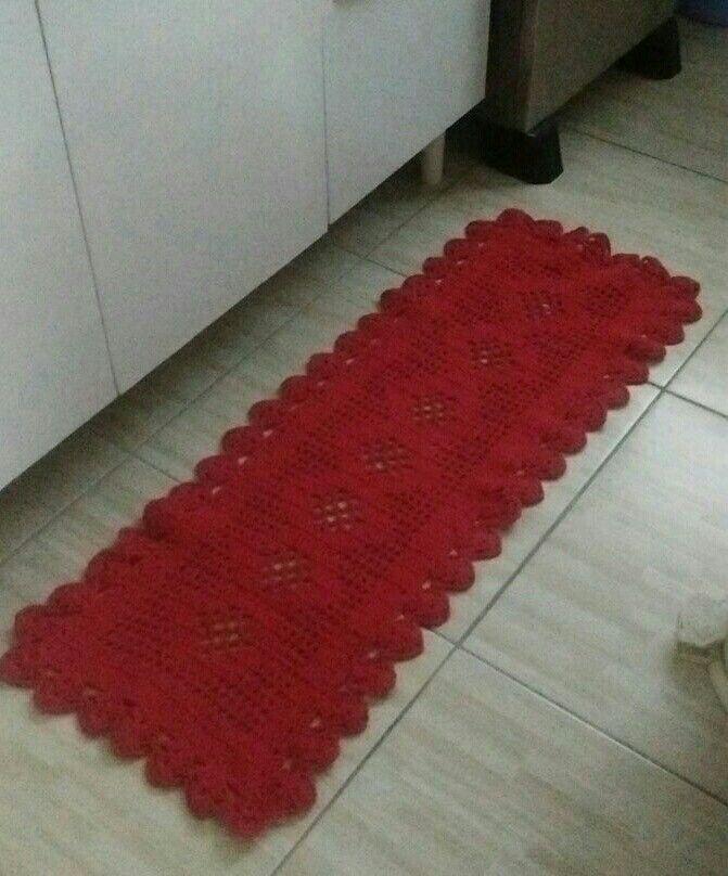 Passadeira vermelha confeccionada em barbante EuroRoma vermelho de 1,00x0,40