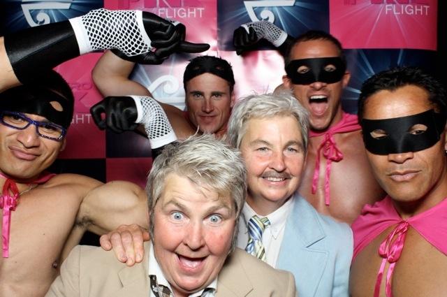 Ken & Ken party on the Air NZ Pink Flight