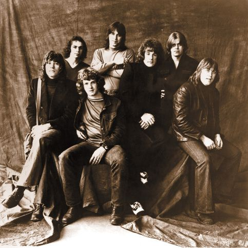ORIGINAL CHICAGO GROUP 1960's. HARD TO IDENTIFY!  POSSIBLY:  L to R (bottom- Robert  Lamm, Lee Loughnane,  James Pankow,  & Walter Parazaider.) L to R (top- Danny Seraphine,  Terry Kath, & Peter Cetera. )