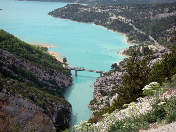 Regionaal Natuurpark van de Verdon: Lake St. Croix (het vasthouden van water) smaragd - France-Voyage.com