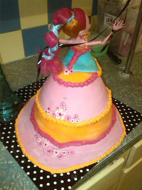 Monster High Dolly Varden Cake Miss 10's birthday cake