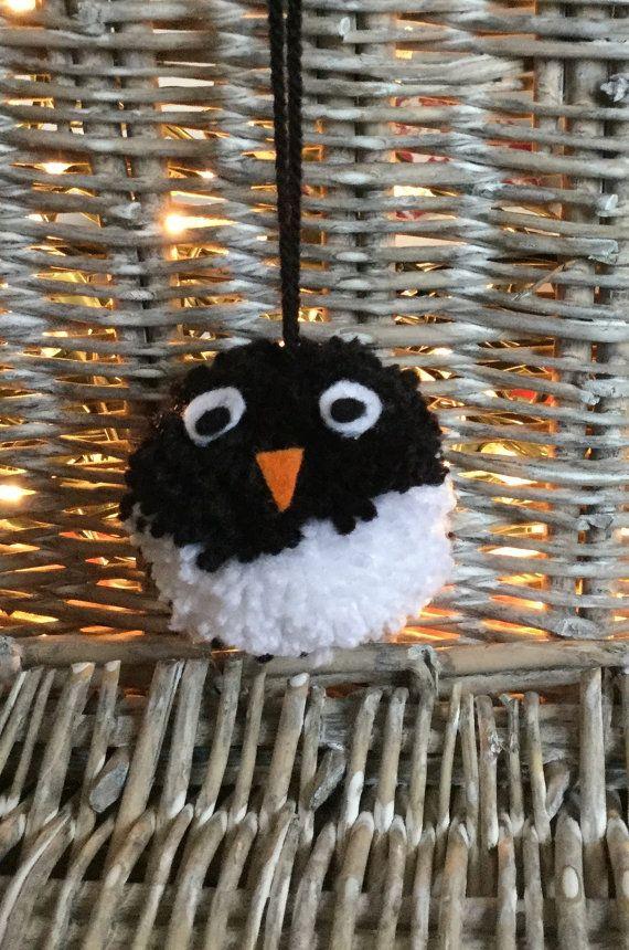 Christmas penguin hanging pom pom decoration  a pompomette