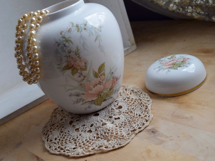Caverswall peachy pink floral ginger jar, with lid, fine bone china, made in England, Christmas gift, housewarming gift, biscuit jar by BitsnBobsnKeepsakes on Etsy