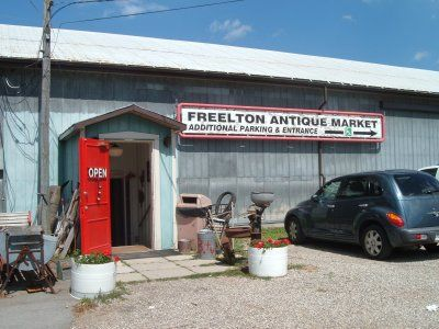 Antiques in Ontario. Top Shops, Markets and Towns.