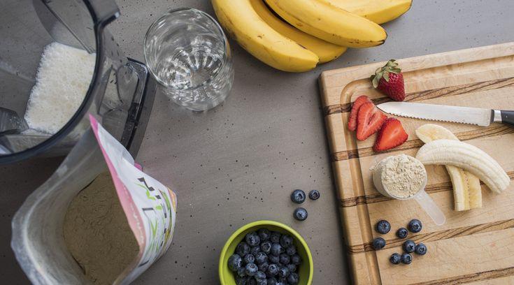 Making vegan smoothies, with XOLOGY all natural, Monkfruit wweetened protein powder.