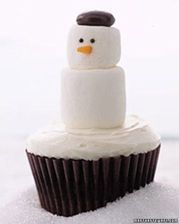Snowman Cupcakes. So easy and cute!