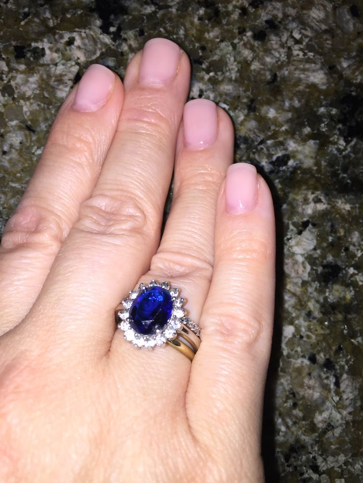 Kate middleton engagement ring, Yellow gold rings and ...