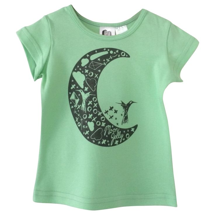 Moon T-Shirt - Apple/Grey Printed super soft and stretchy 100% Organic Cotton signature print t-shirt. The shape and stretch makes it comfortable to wear for both sleep and play. Match it with our slim harem crop pant.