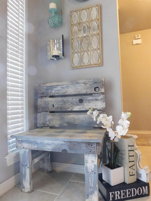 Build A Simple, Fun Entry Way Bench For Only $30 In Lumber! A Great