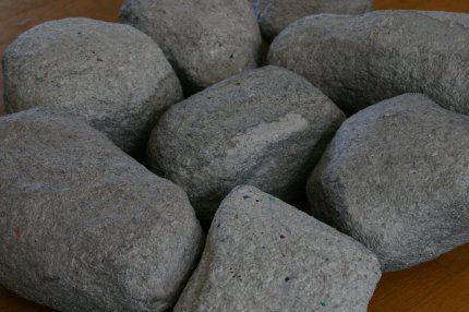 Paper Mache Rock Tutorial - It would be cool to have giant rocks on the floor.
