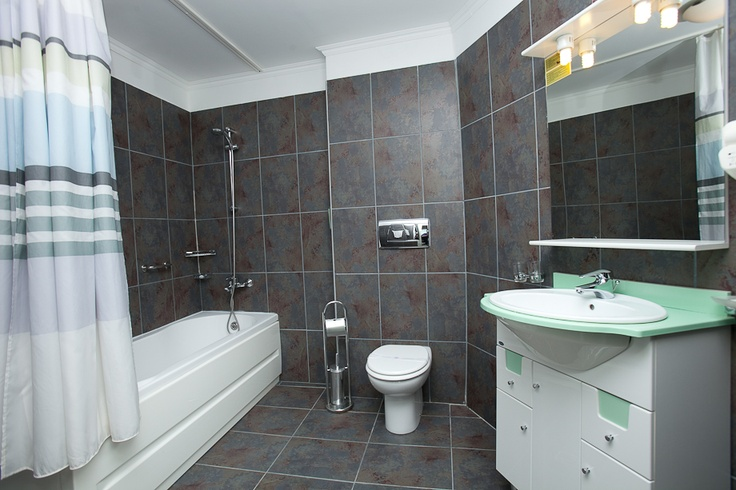 superior twin beds room - bathroom