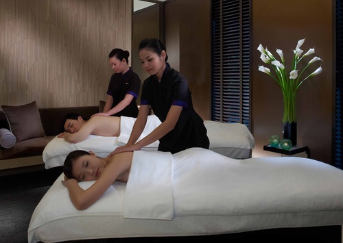 Enjoy a relaxing Couples' Spa treatment at The Mandarin Oriental, Singapore