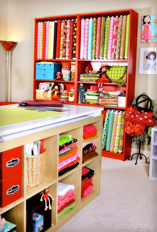 Craft room with cutting table: Fabrics Storage, Crafts Rooms, Dreams Rooms, Sewing Spaces, Shelves, Rooms Ideas, Craftroom, Sewing Rooms, Cut Tables