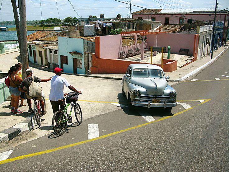 Wordt dit de Getaway Travel Reisfoto van het jaar? Stem snel via de website!  Een zelfgemaakte foto van het dagelijkse leven in Cuba. Gemaakt op de route van Havana naar Varadero. Perfect timing!