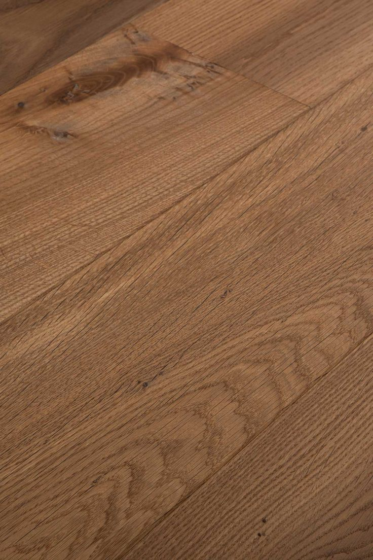 Double Smoked Natural.  Subtly deep colour that has an air of the vaguely mysterious about it. Do you like adventures? Chapel Parket wooden flooring.
