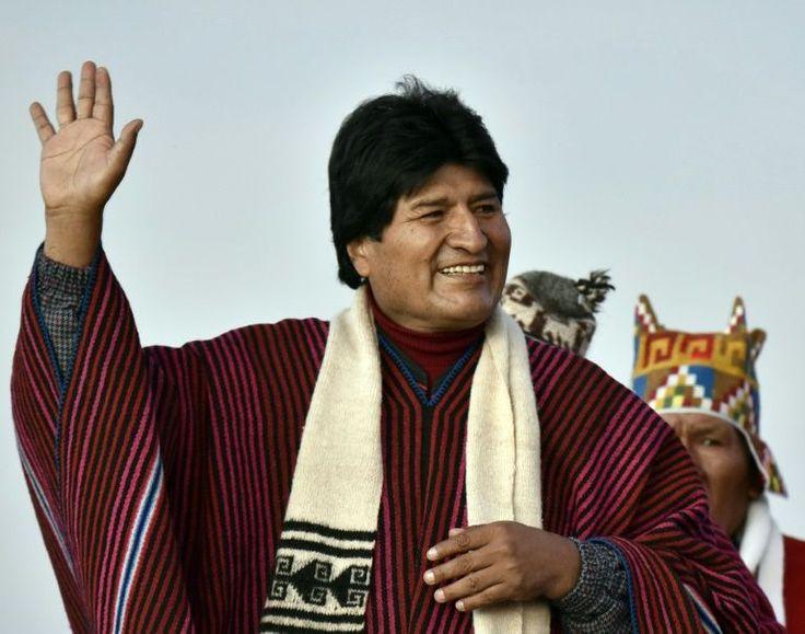 """O governo boliviano começou a trabalhar com a hipótese de um """"golpe branco"""" contra o presidente Evo Morales, afetado por uma forte polêmica sobre sua ex-companheira, Gabriela Zapata, detida por enriquecimento ilícito, e um filho dos dois, que não se sabe se estaria vivo."""
